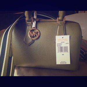 👜 MICHAEL KORS - Small Duffle Bag